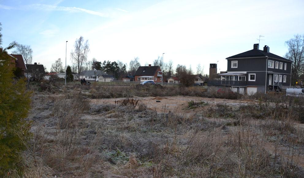 Tornet på Vaggeryds kyrka i höger bildkant.